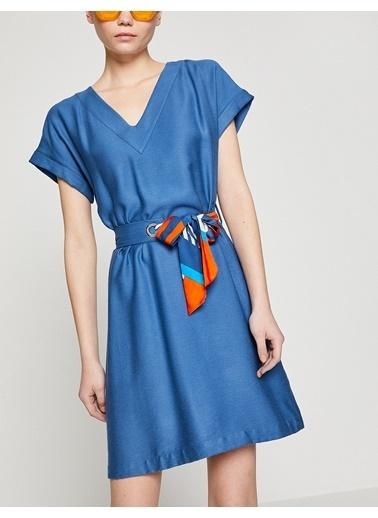 Koton V Yaka Belden Bağlamalı Elbise Mavi